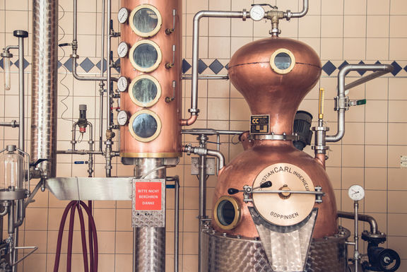 Hirter Brauerei Angebot Edelbrand c Elias Jerusalem